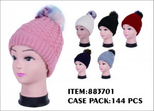 LADIES HAT WITH RAINBOW PONPON 1